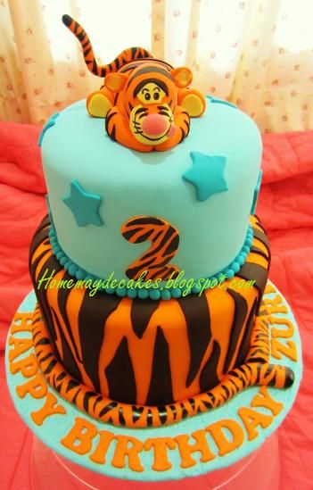 49 best Cake winnie the pooh images on Pinterest Disney cakes