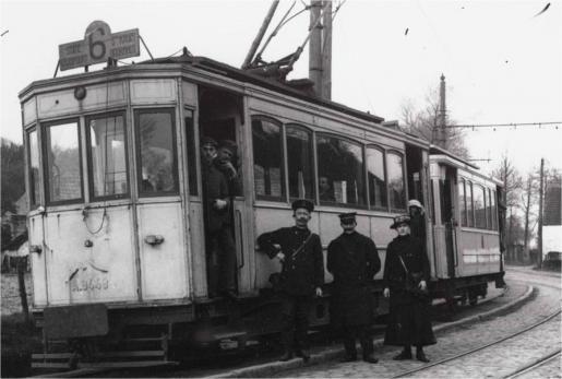 Sint-Kruis eindhalte aan de Doornhut tram 6 (fragment) fotograaf L Laloo 1917