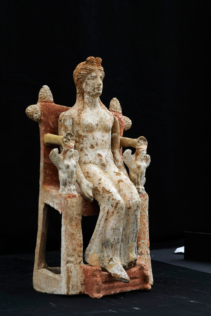 Female figurine on a throne with articulated upper arms. 4th c. BC, Thebes. Archaeological Museum of Thebes, Greece