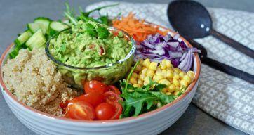 La grønnsaker berike livet ditt! Salatbolle til lunsj.