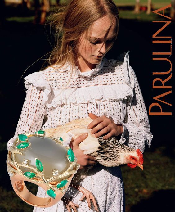 Rustic chic anytime even when farming with the Forest vine moonstone ring in pink gold and marquise emeralds and rosecut diamonds. #parulina #ring #cocktailring #moonstone #emerald #diamonds #gold #finejewelry #lovegoldlive #bling #jewelry #jewellery #jewels #highfashion #farmer #chic #rooster#madeinnyc #edgy #trendy #jewlerygram #ontrend #instajewelry