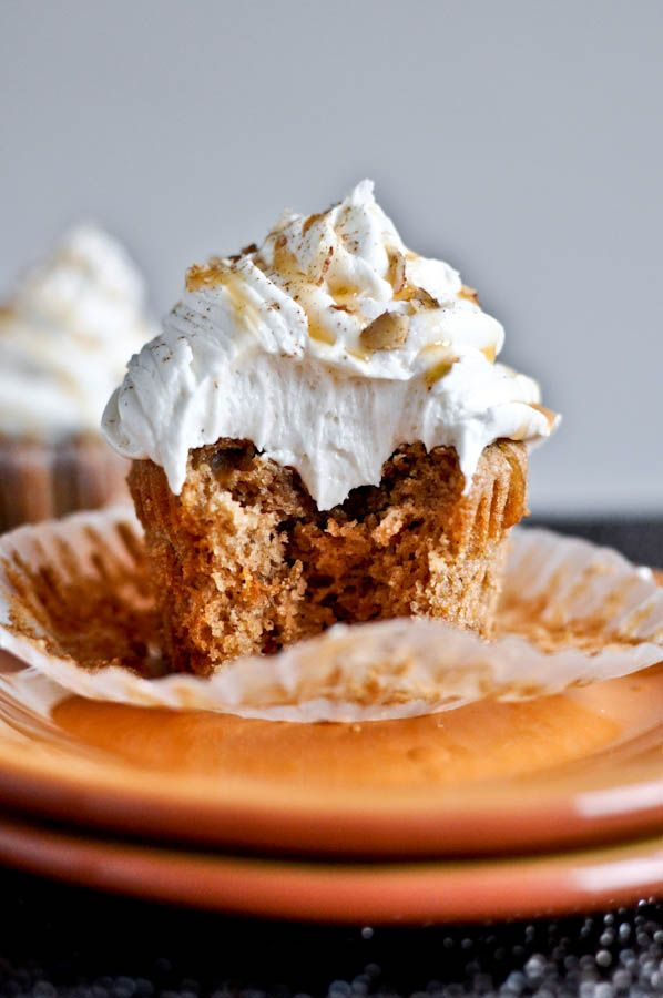 Sweet Potato Pie Cupcakes with Marshmallow Frosting. #Thanksgiving #cupcakes #desserts