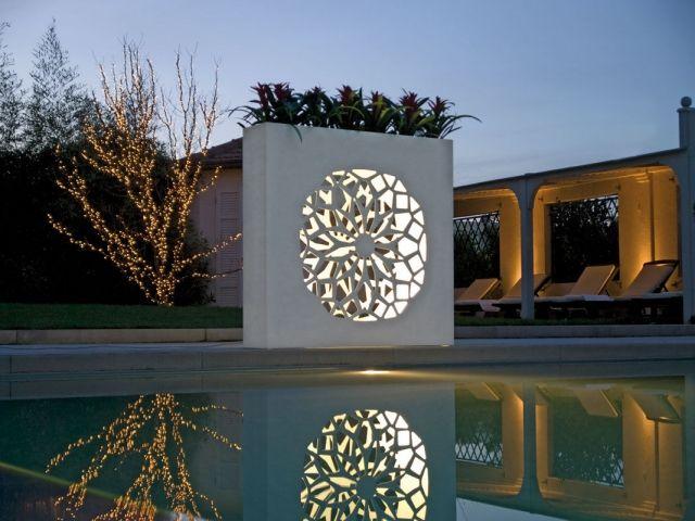 Beleuchteter raumteiler als idee vielleicht zur for Wohnideen minimalisti