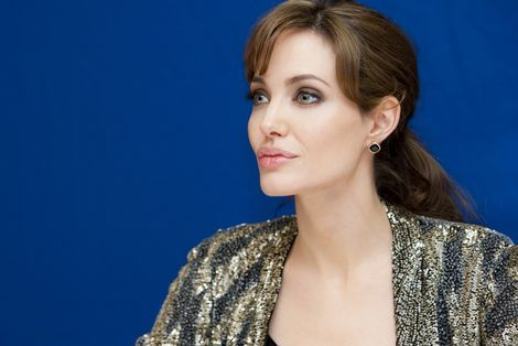Angelina Jolie koopt villa van 25 miljoen dollar|Prive| Telegraaf.nl