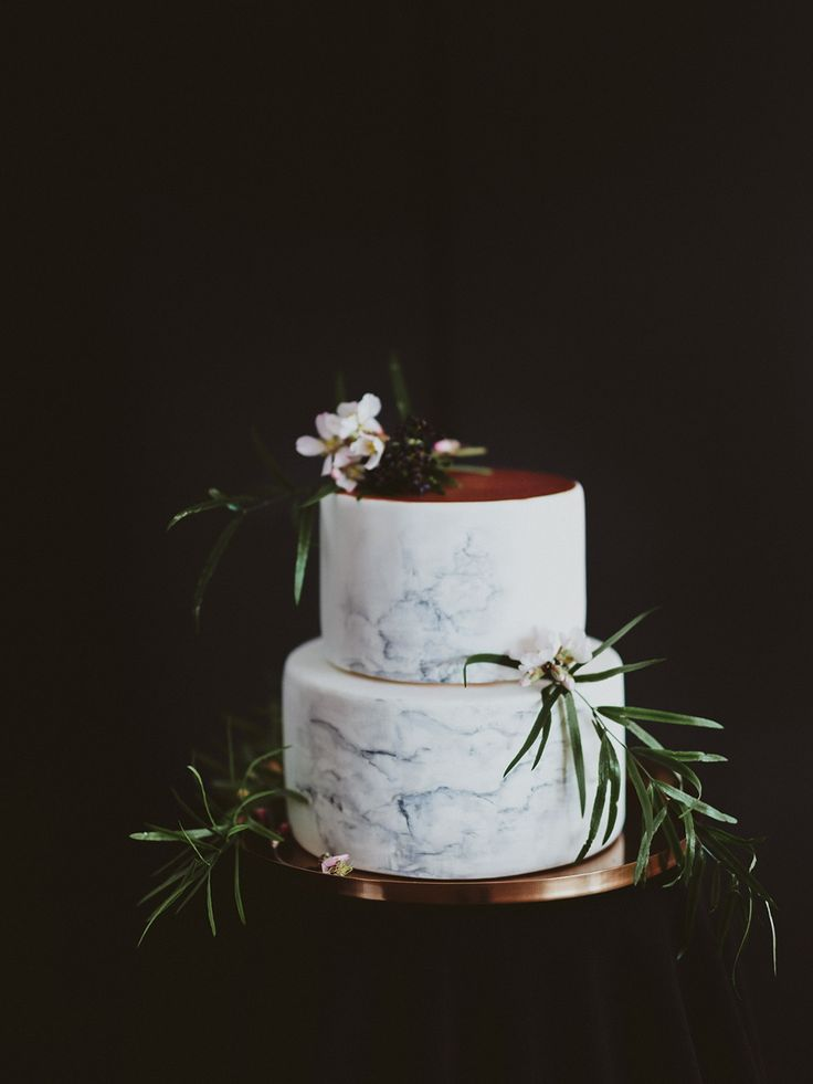 Wedding Cake | Copper Accents | Best Day Ever | Marble Stationery Suite | Marcos Sanchez | Wedding Inspiration Shoot