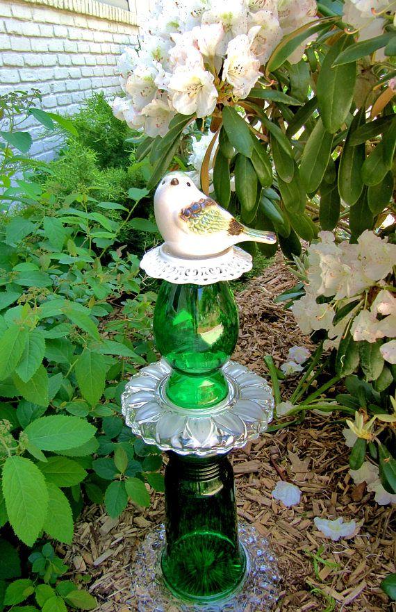 yard art-garden totem-bird-green vintage glass garden