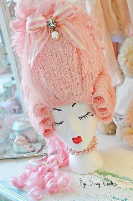 Jennifer Hayslips's Marie Antionette-ish wig. Gaaaa!!!