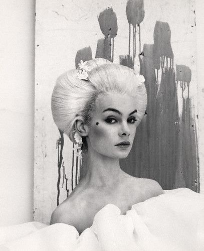 Stunning tonal qualities and violent  anchoring of the watcher. Jean Shrimpton (1964) by Cecil Beaton