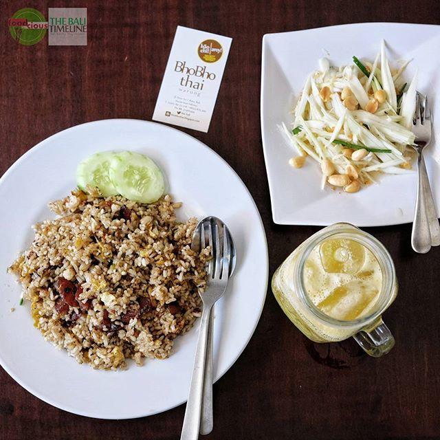 Food Blog Bali  #Food: Nasi Goreng Lapciong Ayam & Manggo Salad #Beverage: Jus Kedodong #Delicious: 3.5/5 #Foodcious: ini adalah menu yang pas banget buat lunch saat matahari sedang terik.  Selain rasanya yang enak kesegaran khas thai food(halal) jadi bikin makan siang ngga ngantuk. Dan juga harga pas di kantong.    @bhobhothai  <Rp 50k  Jl Dewi Sri 1. #Kuta    #ThaiFood #halal #lapciong