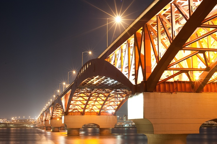 The Seongsan Bridge is the 12th bridge that crosses the Han River in South Korea and connects the districts of Mapo District and Yeongdeungpo District. The bridge was completed in 1980.