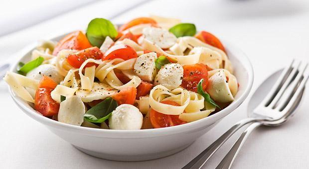 Pasta alla caprese - #mozzarella #pomodoro http://www.vividanone.it/ricetta-dettaglio/-/ricetta/per-bambini/pasta-alla-caprese