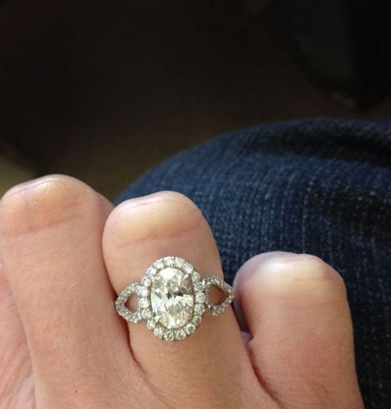 Oval Engagement Rings On Finger