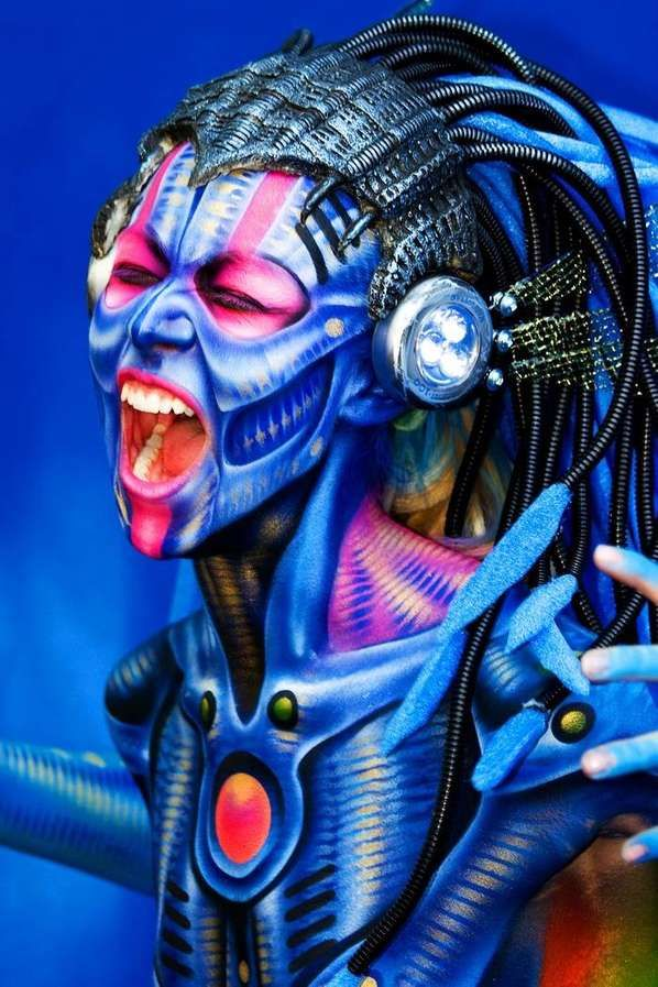 This is some damn impressive body paint.