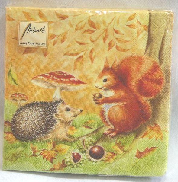 Tovaglioli in carta nel bosco in autunno con ricci scoiattolo e castagne per decorare in - Tovaglioli di carta decorati ...