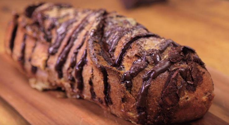 Pain perdu géant au chocolat : de quoi vous faire plaisir avec vos restes de pain !4.3 (85%) 4 votes Ce délicieux pain perdu pourra satisfaire les envies des aficionados du chocolat. La recette proposée par Marmiton est simple et rapide, alors découvrez-la vite ! Ingrédients : 1 pain long 300 g. de chocolat 4 … More
