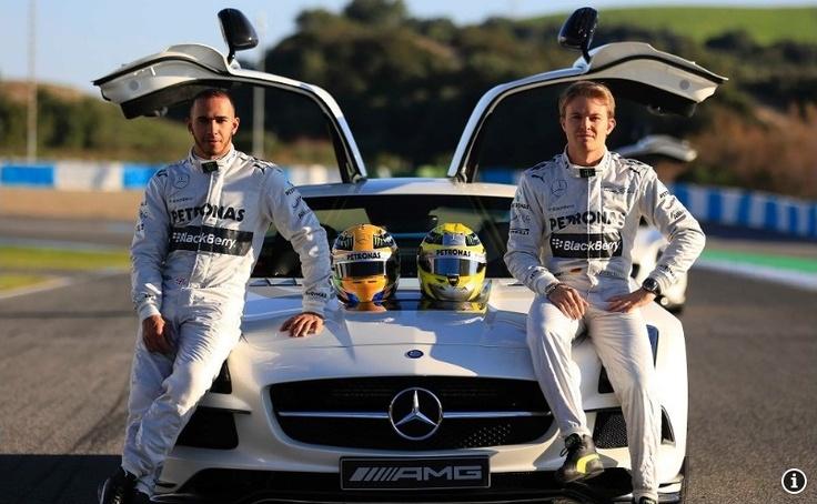 Hamilton: McLaren tawarkan uang lebih banyak untuk 2013   Berita Terbaru 2013
