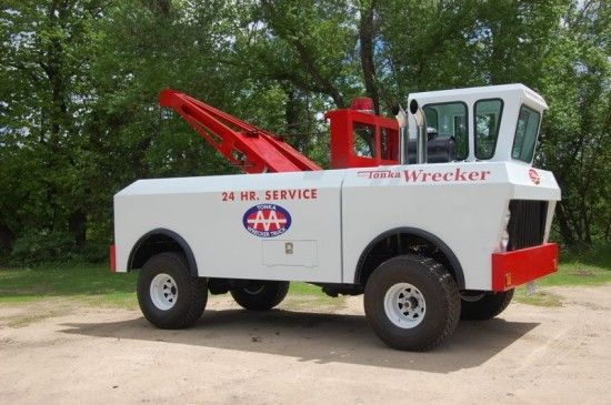 un vrai camion tonka 2   Un vrai camion Tonka [video]   video tonka photo image dépanneuse camion Brad Doane