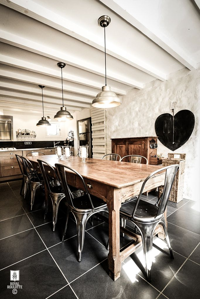 ROYAL_ROULOTTE_DINING_ROOM_BRETAGNE03
