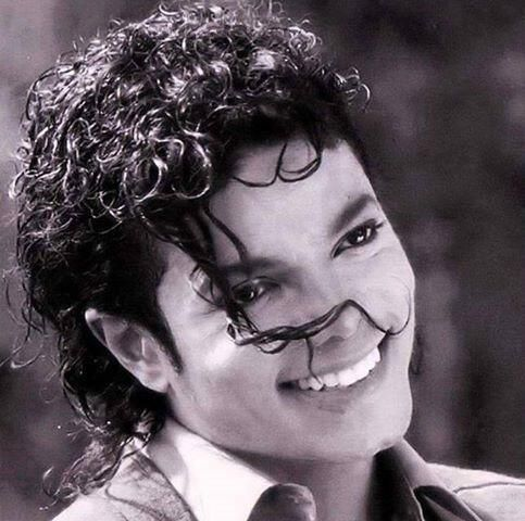 One of the most amazing souls this world has ever known. But he is still with his fans in a way no one can describe. Michael Jackson, ladies and gentleman.
