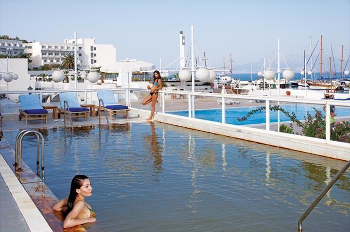 #travel http://www.tatilhome.com.tr/cesme.html  İzmir'in ünlü Çeşme kıyısının mavi bayraklı Ilıca plajında tatil fırsatına ne dersin?