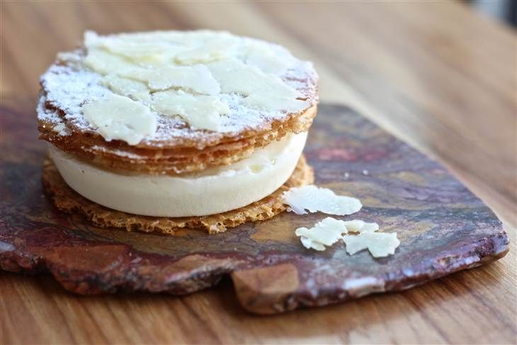 Cheddar ice cream sandwich is latest of trendy cheese desserts