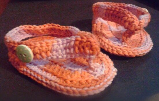 Crochet baby flip flop