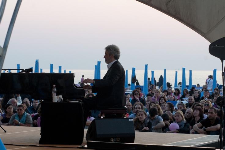 concerto di Piovani all'alba. Piovani's concert at dawn