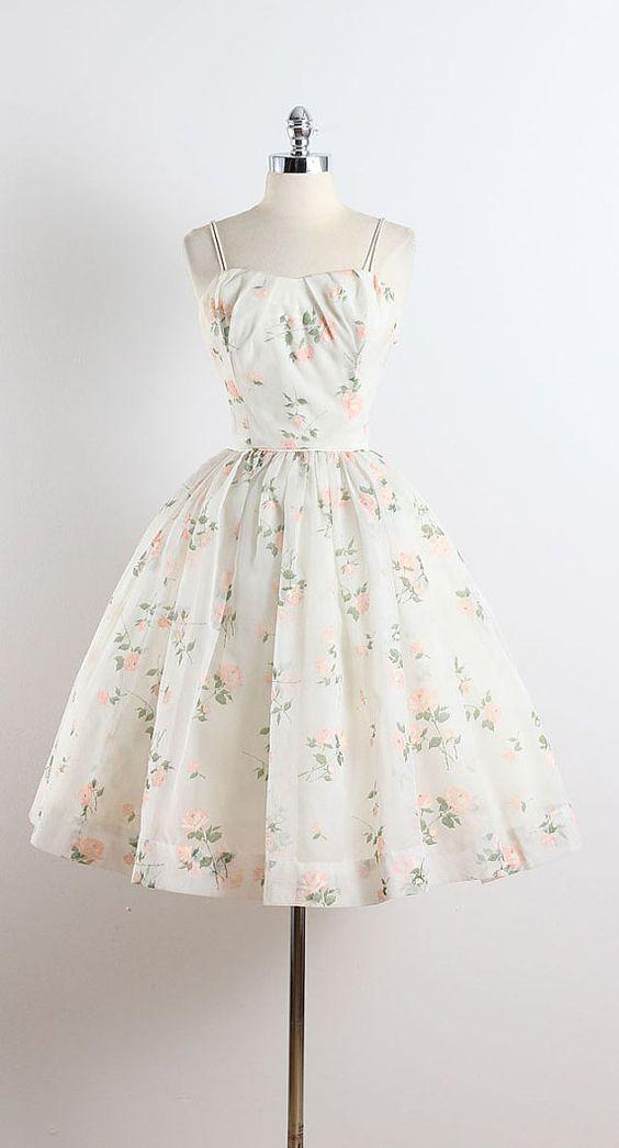 Encontre este Pin e muitos outros na pasta Vestidos de Juliana.   – Dresses