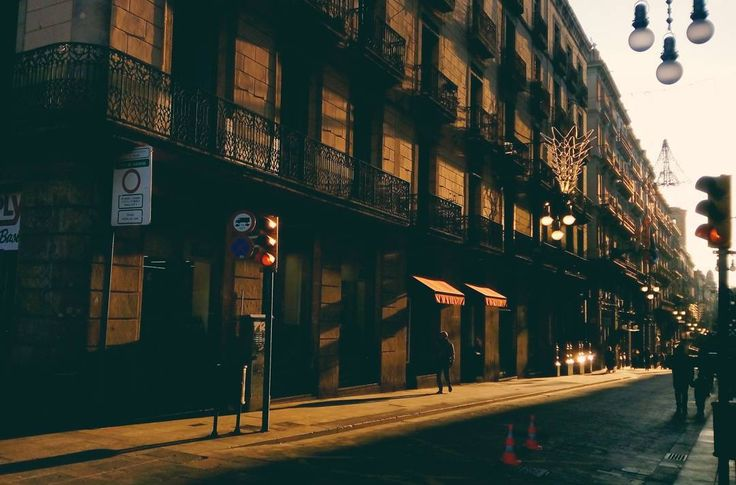 Hoy es siempre todavía. . . . . . . . . #Barcelona #Spain #Light #travel #traveller #traveling #europe  #eurotrip #aroundtheworld #solotraveler #photography #landscape #wanderlust #backpacker #backpack #backpackingaddicts #adventure #backpacking #travelwriter #instatravel #travelgram #pin #traveltheworld #getaway #travelpics #travelphoto  #mytravelgram #travelphotography #worldcaptures #worldplaces