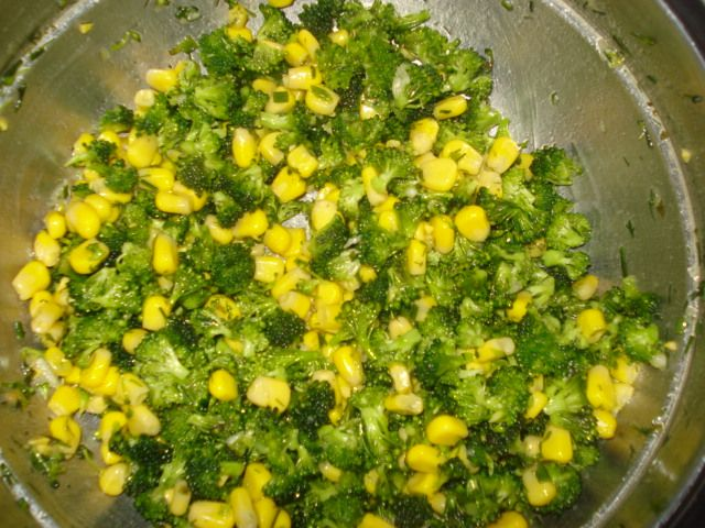 Салат из брокколи и кукурузы : Салаты