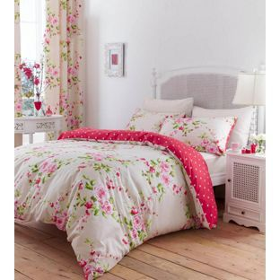 Stylish Quilt Covers With Matching Curtains And Accessories