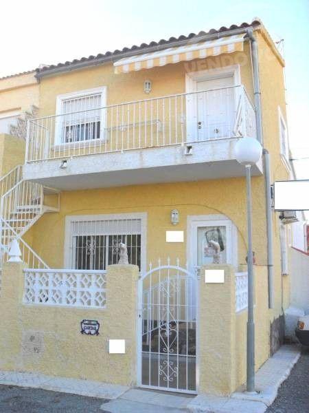 23 best casas ambientes balcones cerrados enclosed for Casas con escaleras