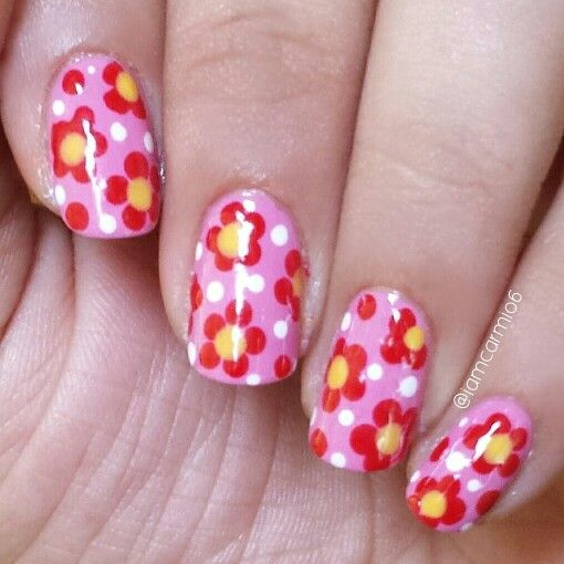 Floral nails. Red, pink and yellow. #diy #nailart #flowers