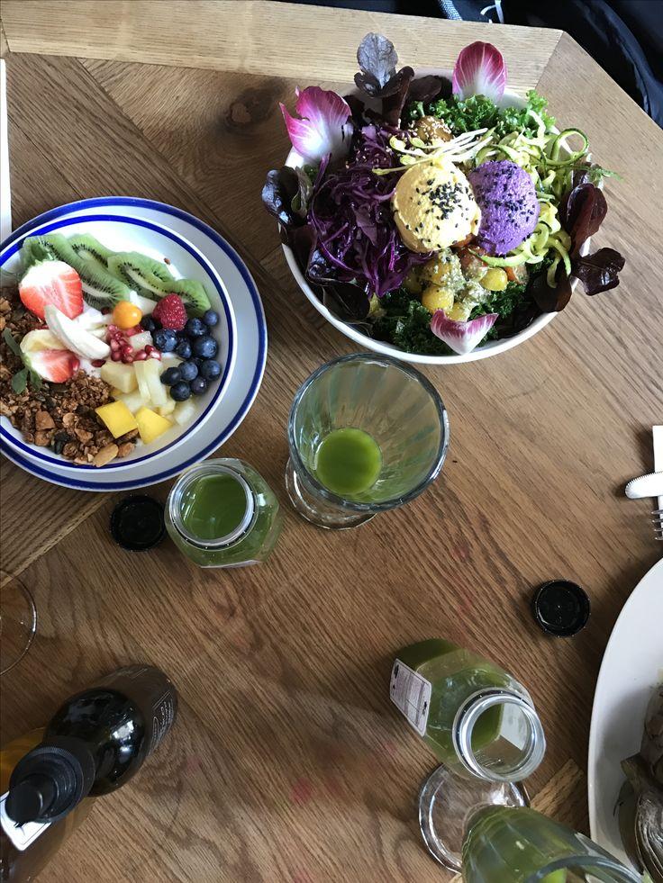 #frutos #granola #Superbowl #raw #kale #smothie #banana #acaï #avocado #nori #mango #lunch #healthy