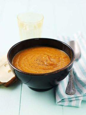 Morotssoppa är fantastiskt gott och dessutom både nyttigt och billigt! Perfekt att njuta av om du är student eller vill äta något gott men hälsosamt. Det här är ett klassiskt recept på morotssoppa men vill du kan du smaksätta med ingefära, chili, linser och