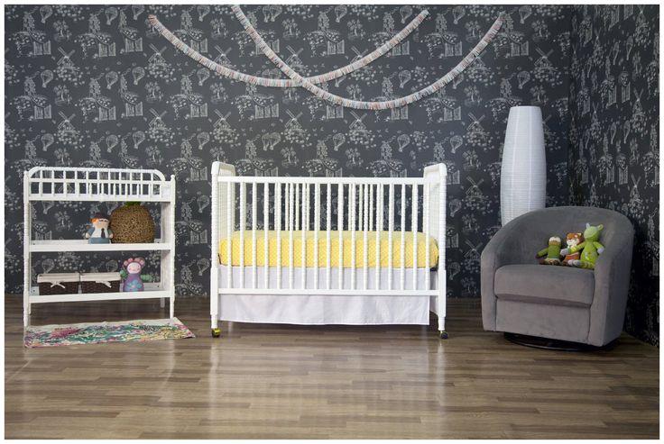 DaVinci Jenny Lind Stationary Crib - White