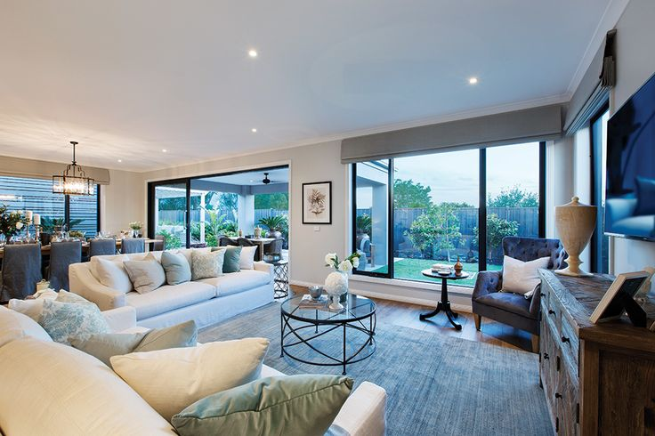 Family room in the Plaza 44L with a Champagne France World of Style.