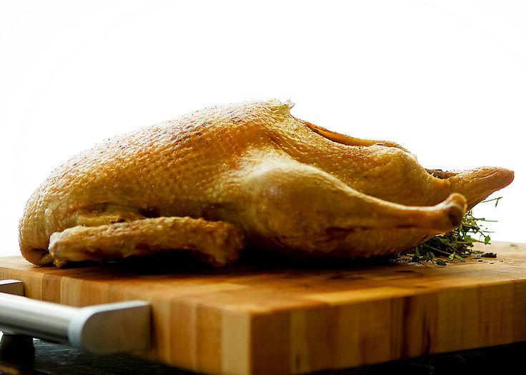 La méthode infaillible de cuisson d'un canard entier rôti - Préchauffer le four à 180 °C (350°F).