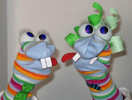 Marionetas echas con calcetines ¿Te atreves a hacer las Kriatur-Ices? :) #manualidades niños