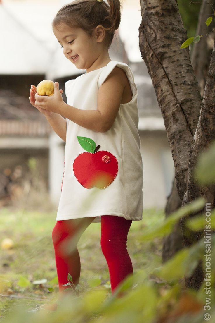 white winter dress,short sleeve,felt red apple pockets applique,baby to toddler dress,autumn, winter,spring dress