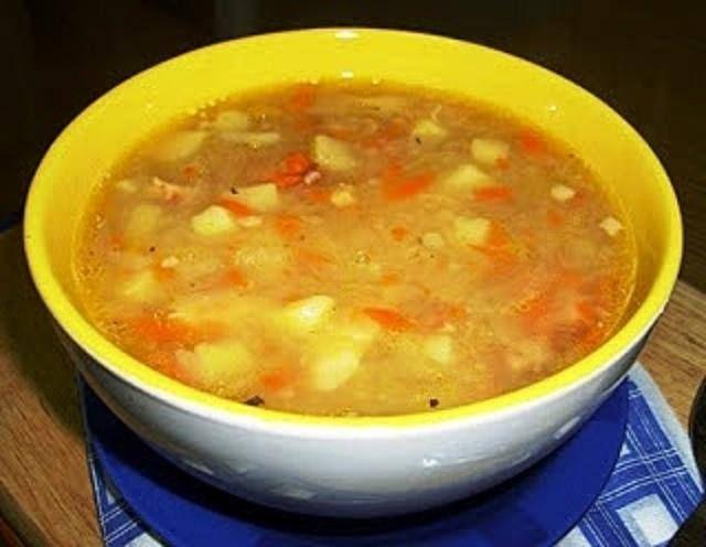 Zalewajka zupa na kiszonej kapuście
