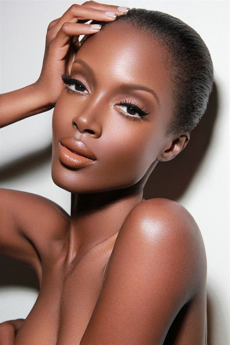 Makeup is FLAWLESS! I need to recreate this. | Makeup: Renny Vasquez