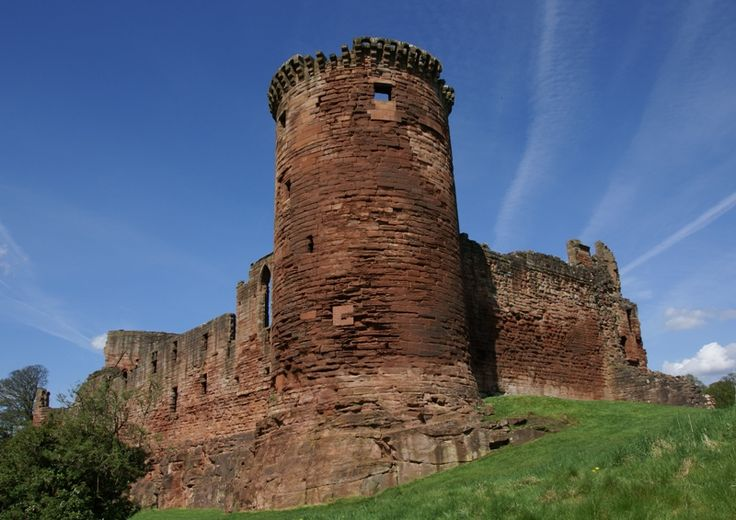 CLAN DOUGLAS Bothwell Castle During the Wars of Independence, ownership of Bothwell Castle changed hands many times due to this strategic location. As a result of so much war-related activity, the castle was severely damaged and when the Black Douglasses acquired ownership of the castle in the 15th century, they rebuilt and enlarged the structure significantly. After they were overthrown in 1455 by James II, Bothwell Castle was returned to the ownership of the Crown.