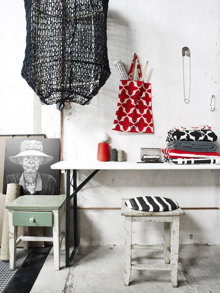 Styling: EMMANUELLE HARTMANN Creative Direction : Anouk Brands Photography : Marjon Hoogervorst