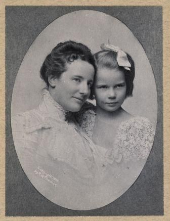 Edith Roosevelt with her daughter Ehtel, who had her White House debut during the family's last Christmas there.