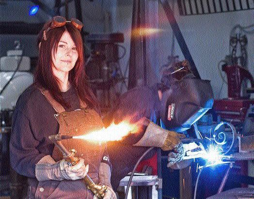 Woman welding. I want to learn to weld.
