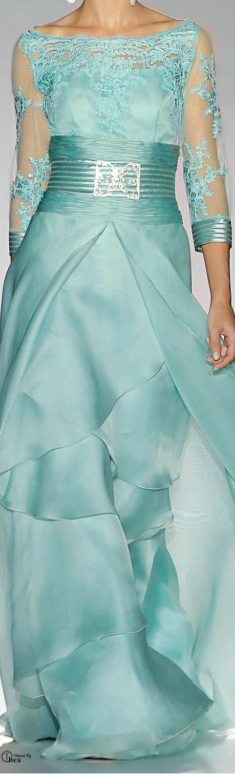 Love the color and the skirt is lovely. Patricia Avendaño 2014