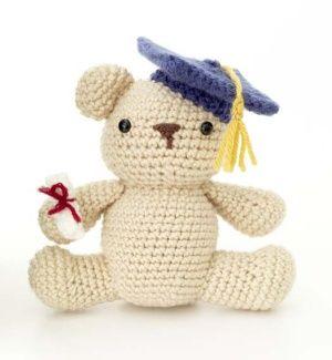 Free Crochet Pattern: Amigurumi Graduation Bear