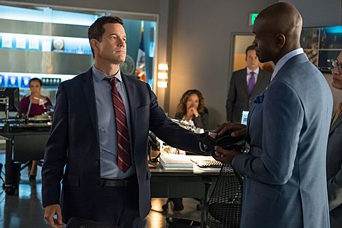 Unforgettable Season 3 Episode 6 - Stray Bullet