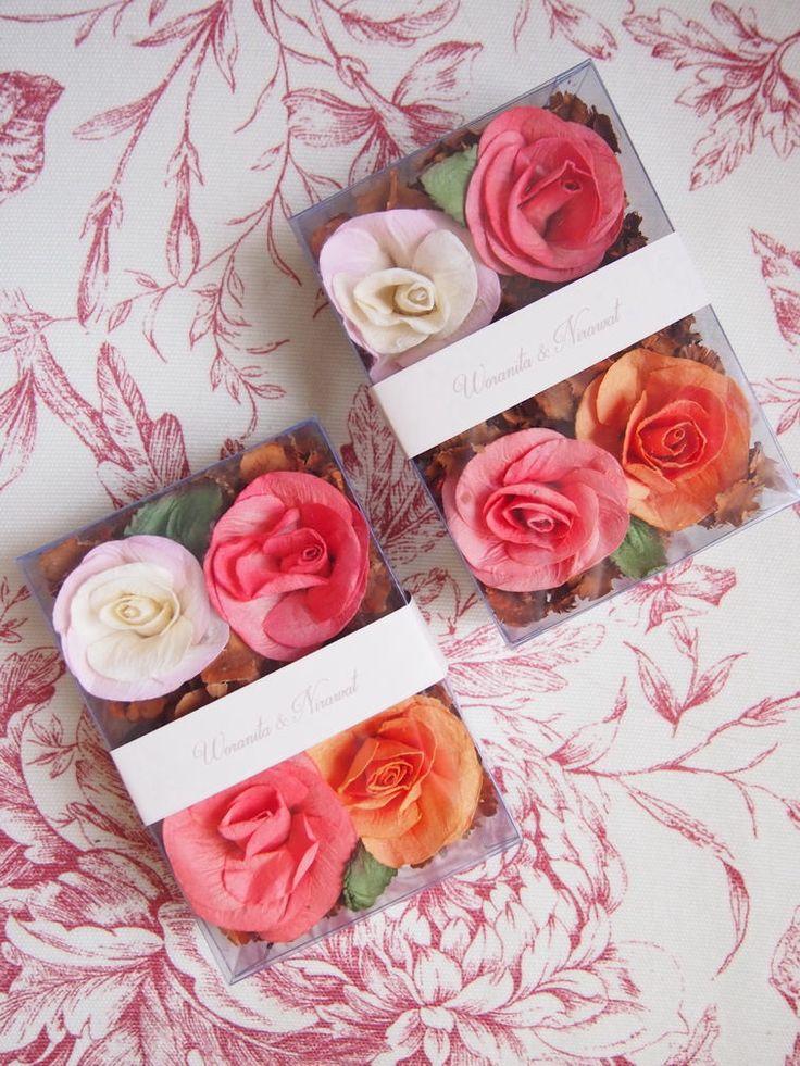 ดอกไม้กระดาษ พร้อมบุหงาหอม + ส่วนลด 10% จาก Hom Herbal Tea